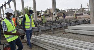 Des poteaux électriques en béton, du made in Burkina au norme et moins cher